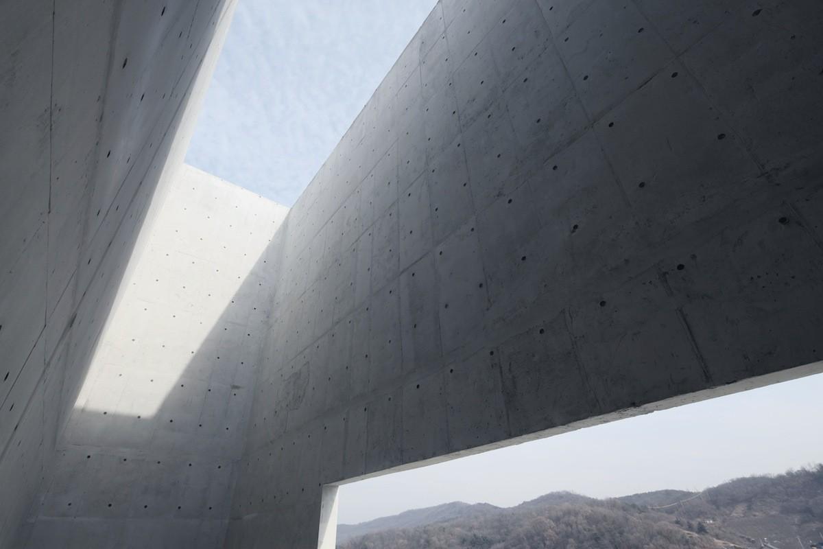 Правила догляду за бетоном в літній та зимовий періоди
