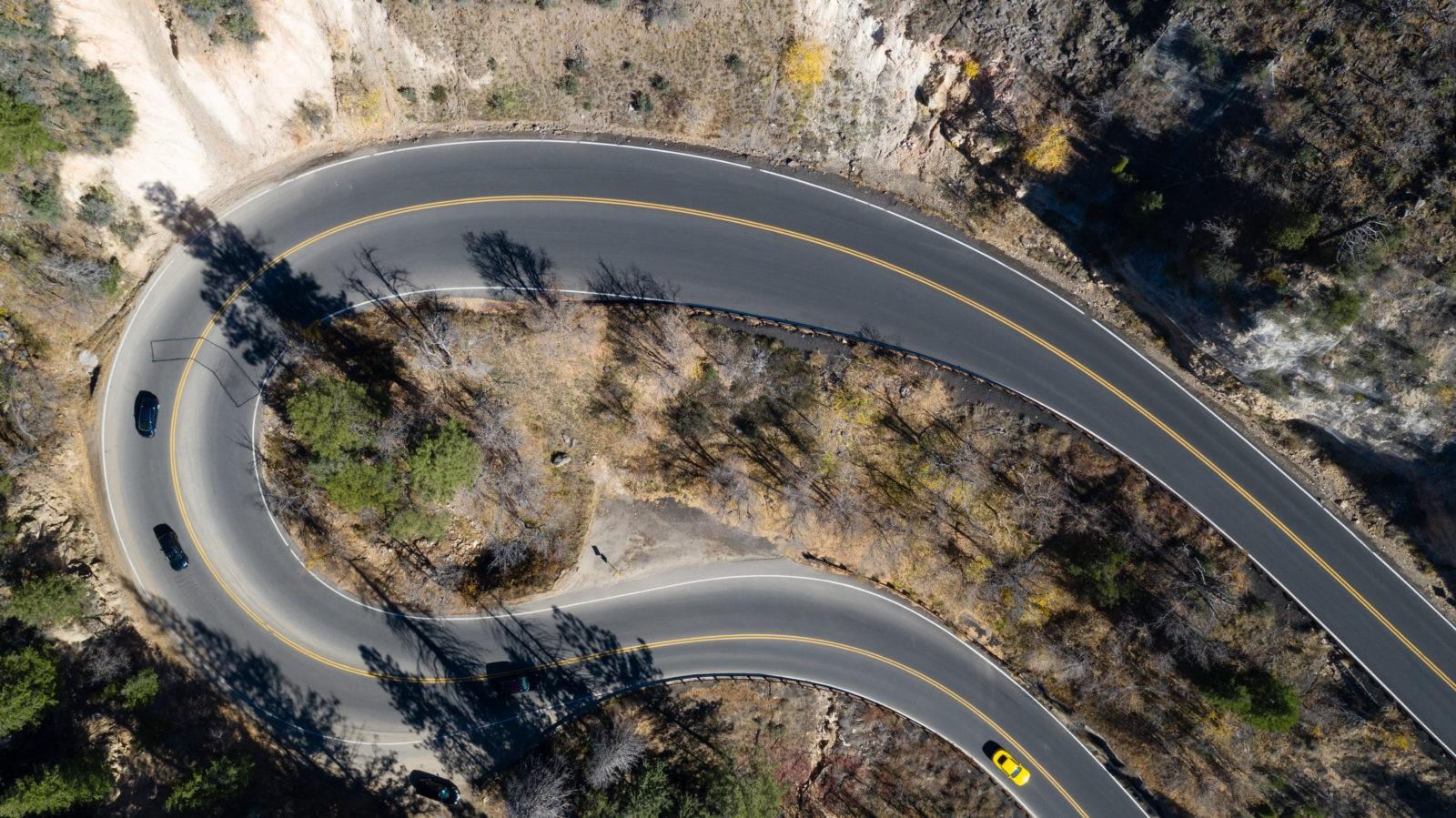 Что вынуждает строителей строить странные, а иногда и сумасшедшие дороги?