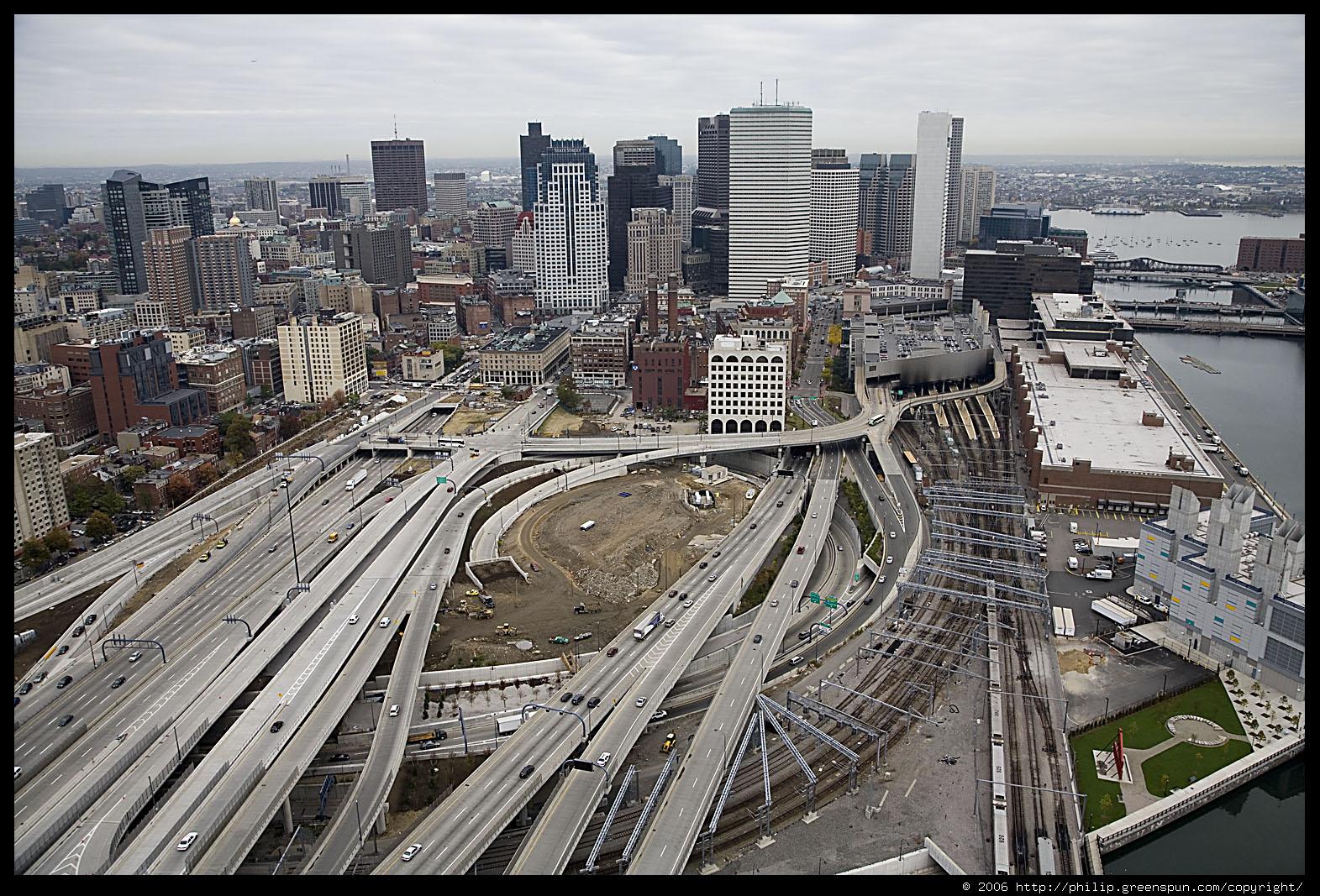 Самый масштабный, дорогой и сложный проект строительства автомагистралей в истории США.