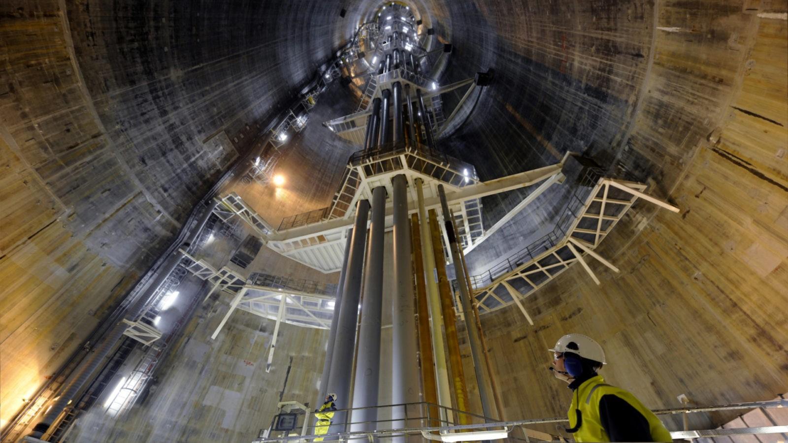 500 000 тонн бетона работают под водой!