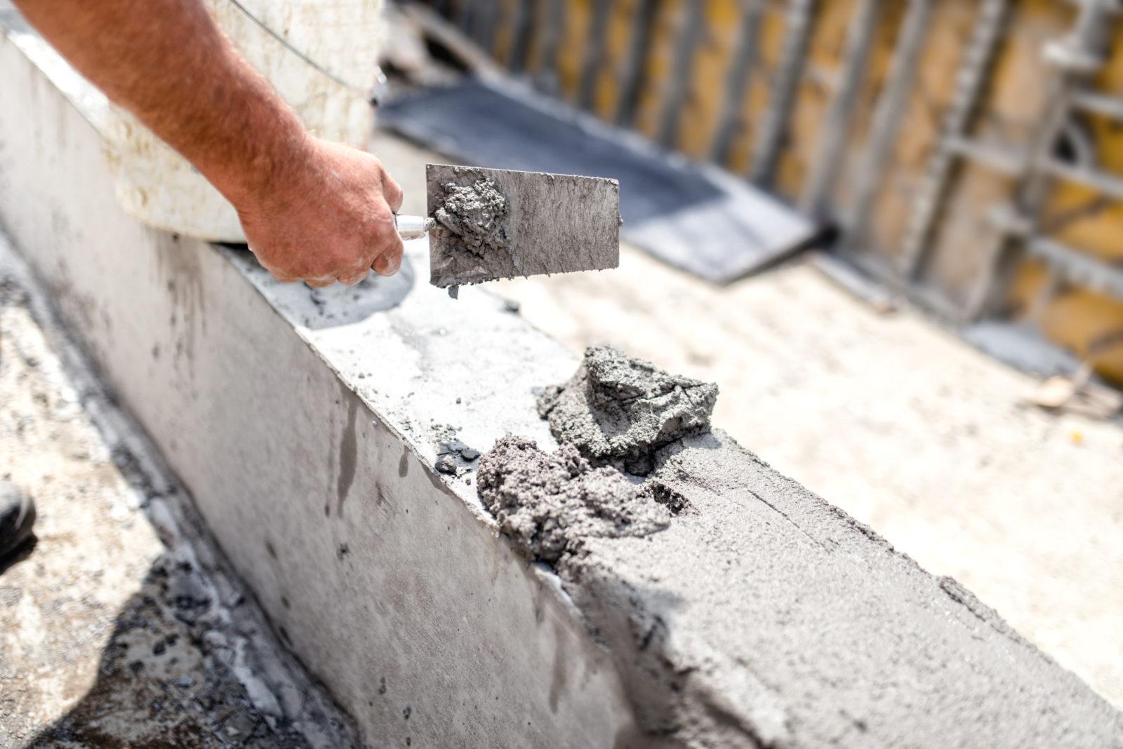 Что категорически не стоит делать, если вы хотите приготовить бетонную смесь самостоятельно.
