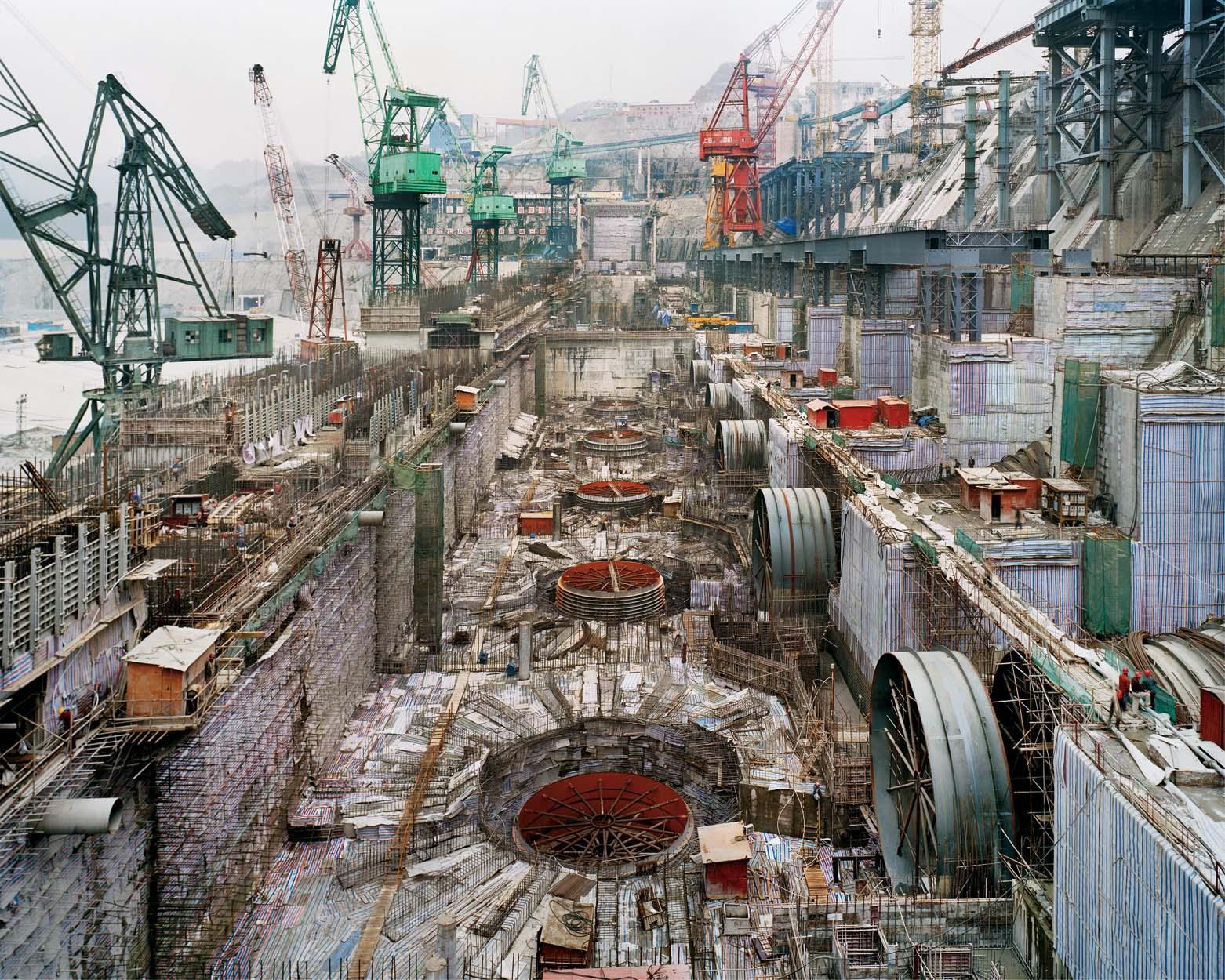 Процесс строительства самой большой плотины в истории человечества